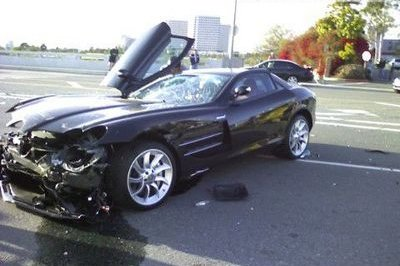 Mercedes SLR crashed