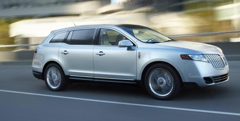 2010 Lincoln MKT pricing announced