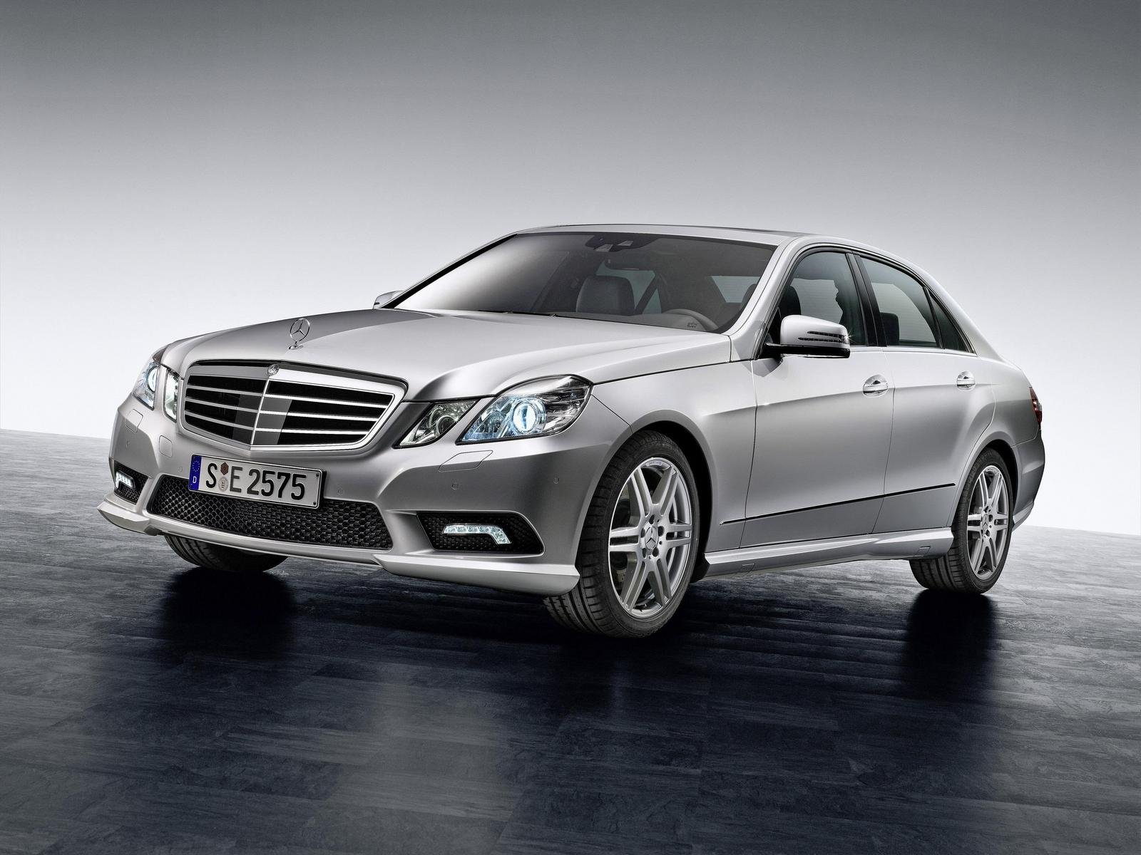 Merc E CLASS SALOON 2009 2013  W212  Ft Wing DRIVER SIDE RIGHT
