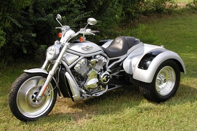Harley-Davidson V-Rod turned into trike