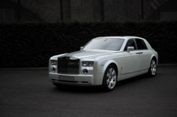 project kahn offers upgrades to the rolls royce phantom picture