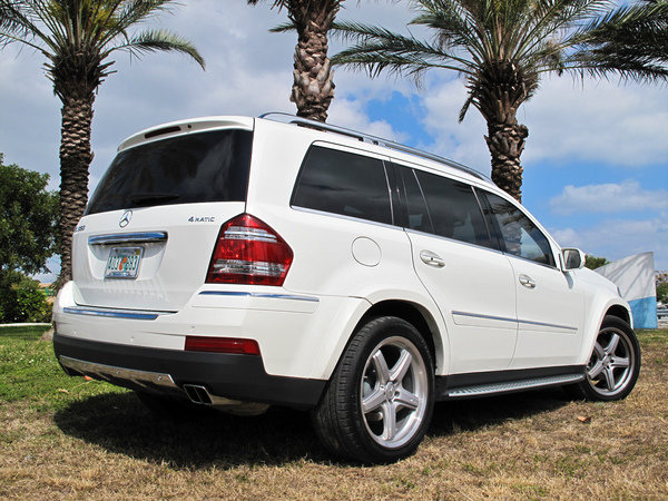 Mercedes 550 Suv >> 2009 Mercedes GL 550 | car review @ Top Speed