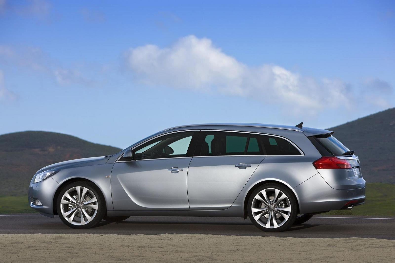 2009 opel insignia sports tourer picture 291047 car review top speed. Black Bedroom Furniture Sets. Home Design Ideas
