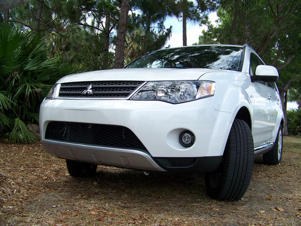 2009 mitsubishi outlander se awd car review top speed. Black Bedroom Furniture Sets. Home Design Ideas