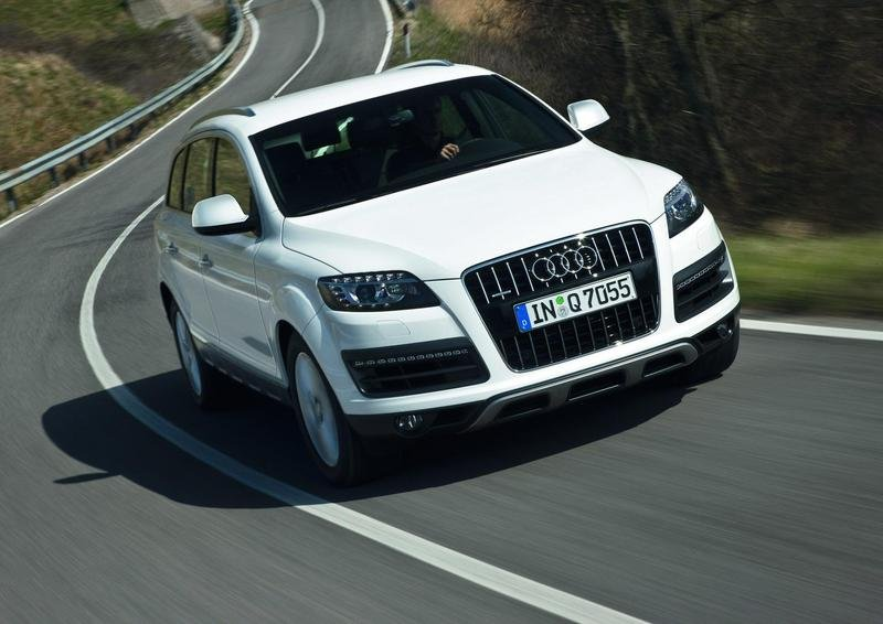 2010 Audi Q7 Pictures Photos Wallpapers And Videos Top Speed