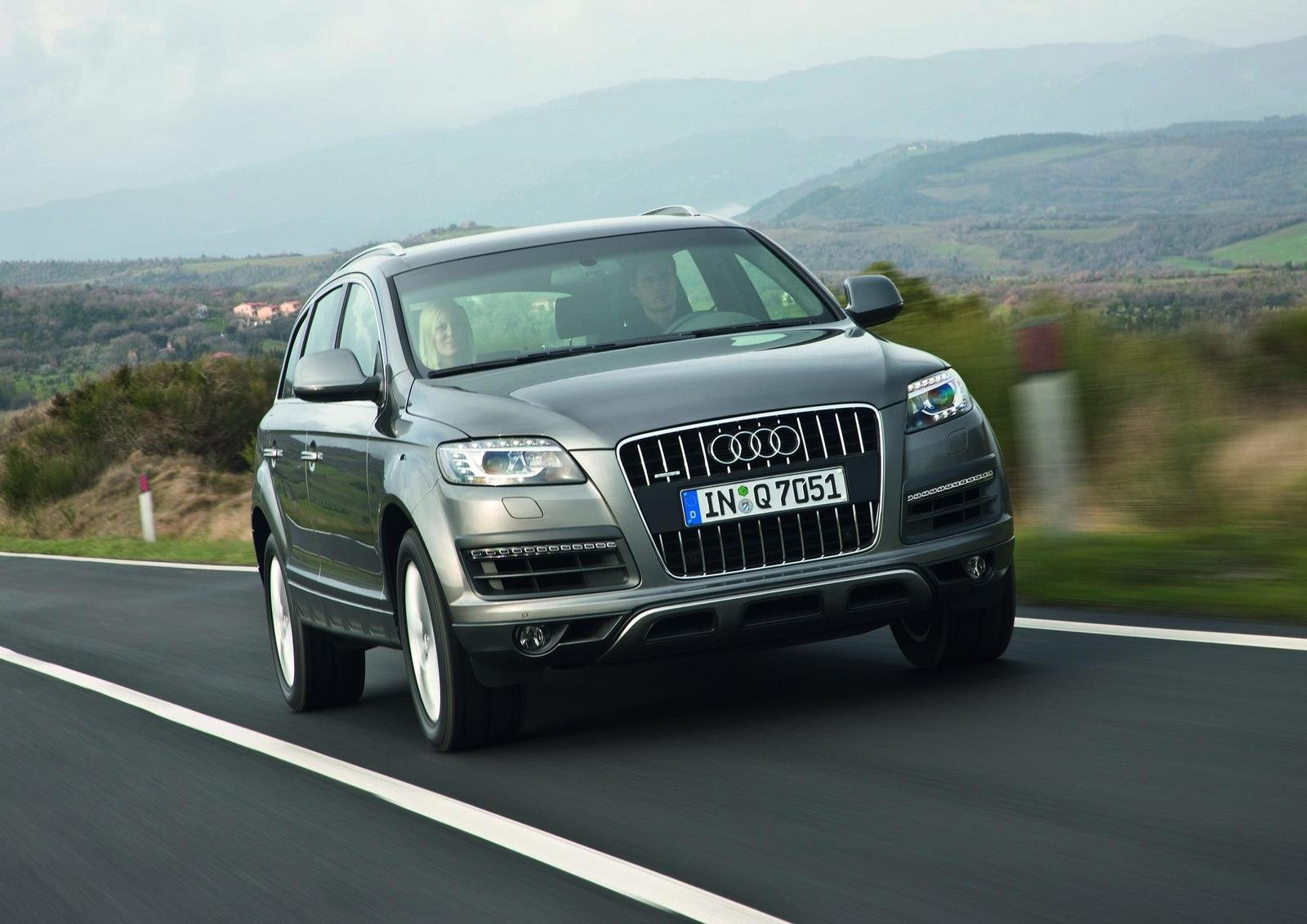 2010 audi q7 picture 295927 car review top speed. Black Bedroom Furniture Sets. Home Design Ideas
