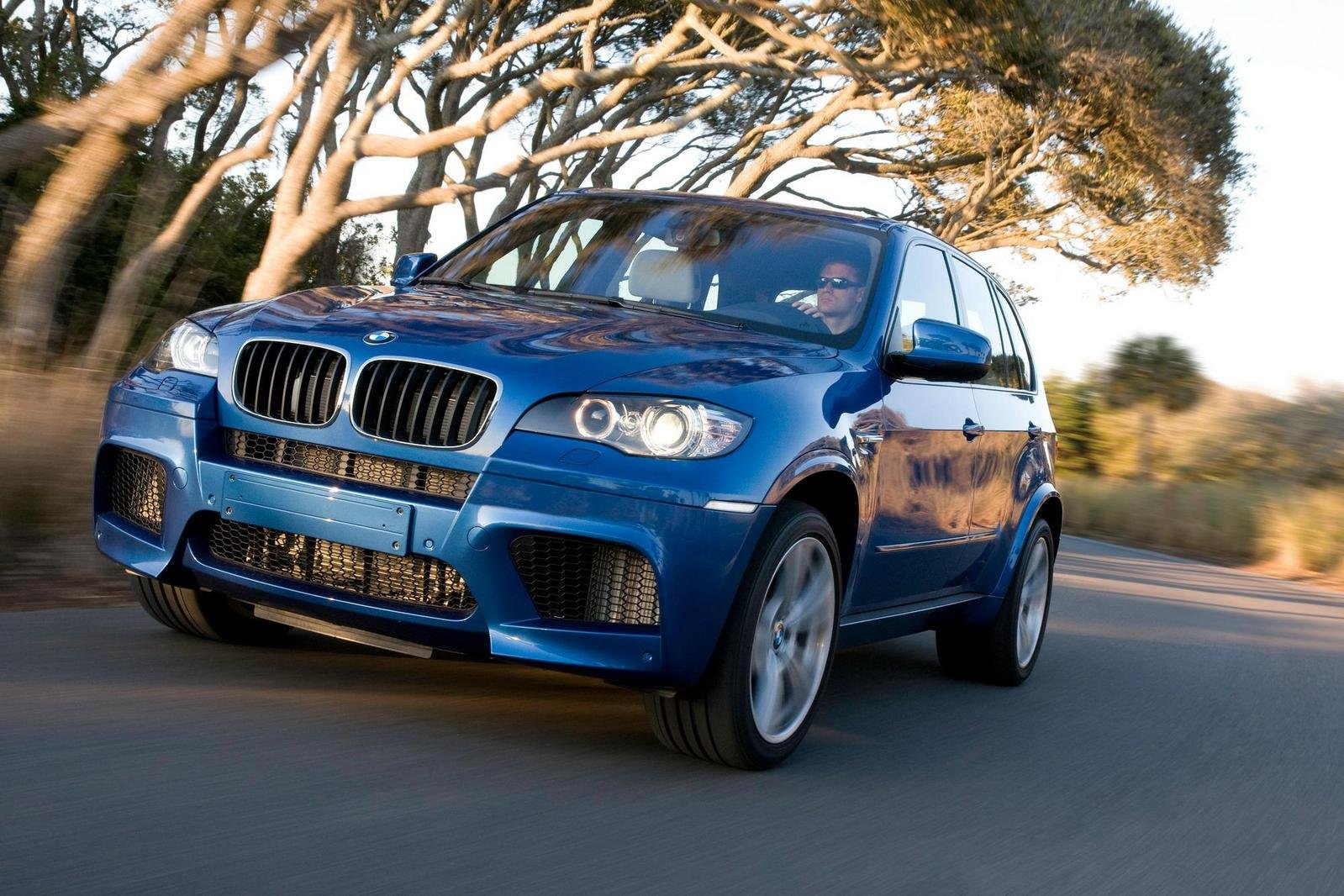 2010 BMW X5 M | car review @ Top Speed