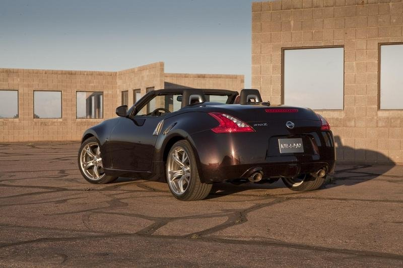2010 Nissan 370Z Roadster Sport Car