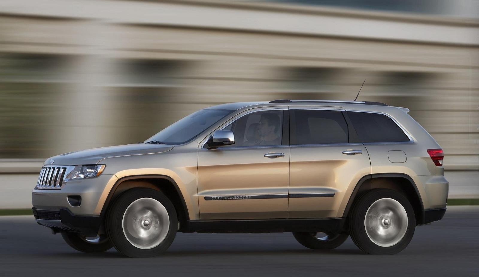 2011 jeep grand cherokee review top speed. Black Bedroom Furniture Sets. Home Design Ideas