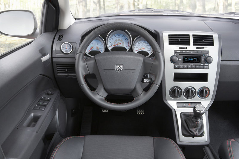 Dodge Caliber SRT-4: Interior impression