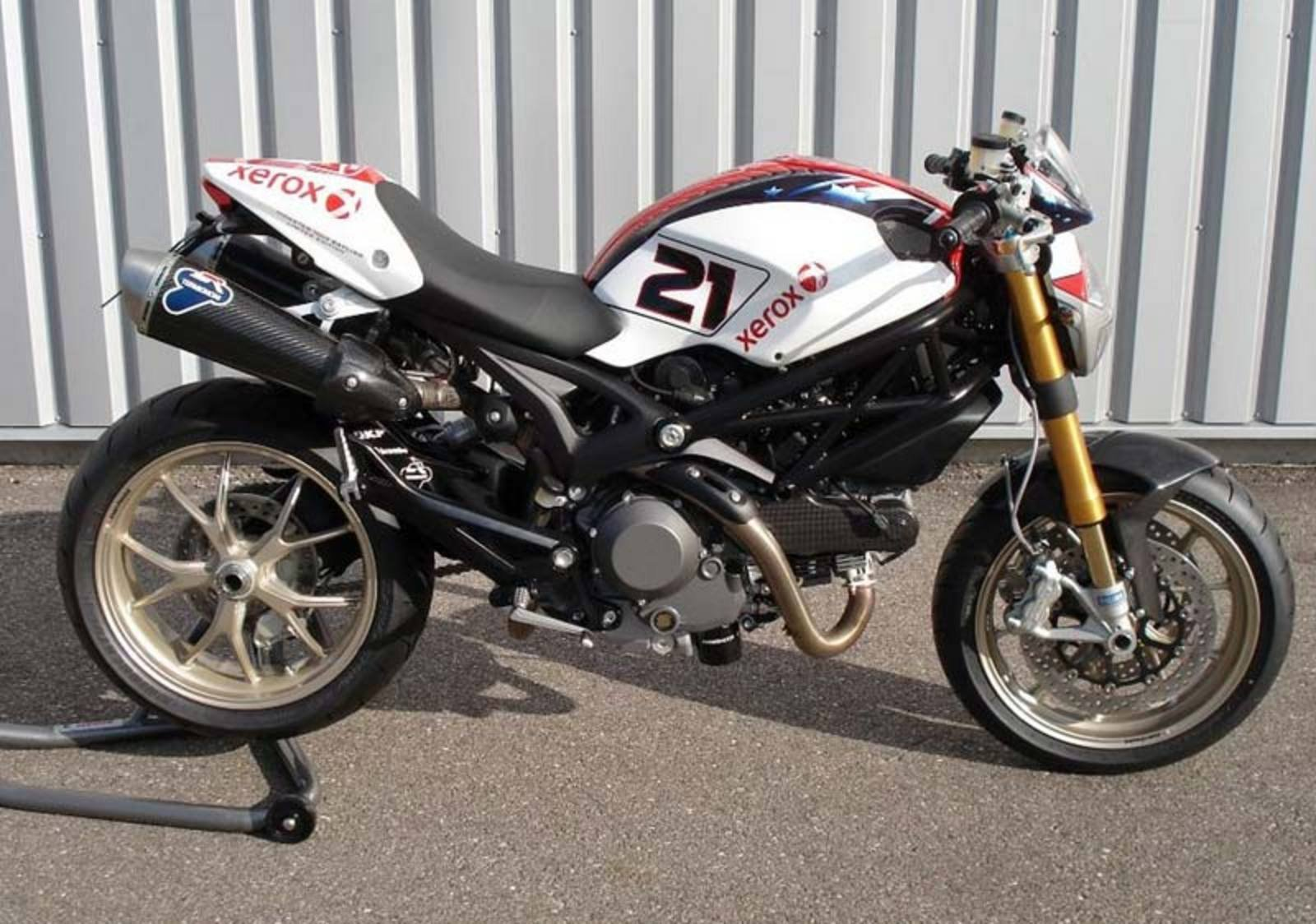 ducati monster 1100 troy bayliss replica news top speed. Black Bedroom Furniture Sets. Home Design Ideas
