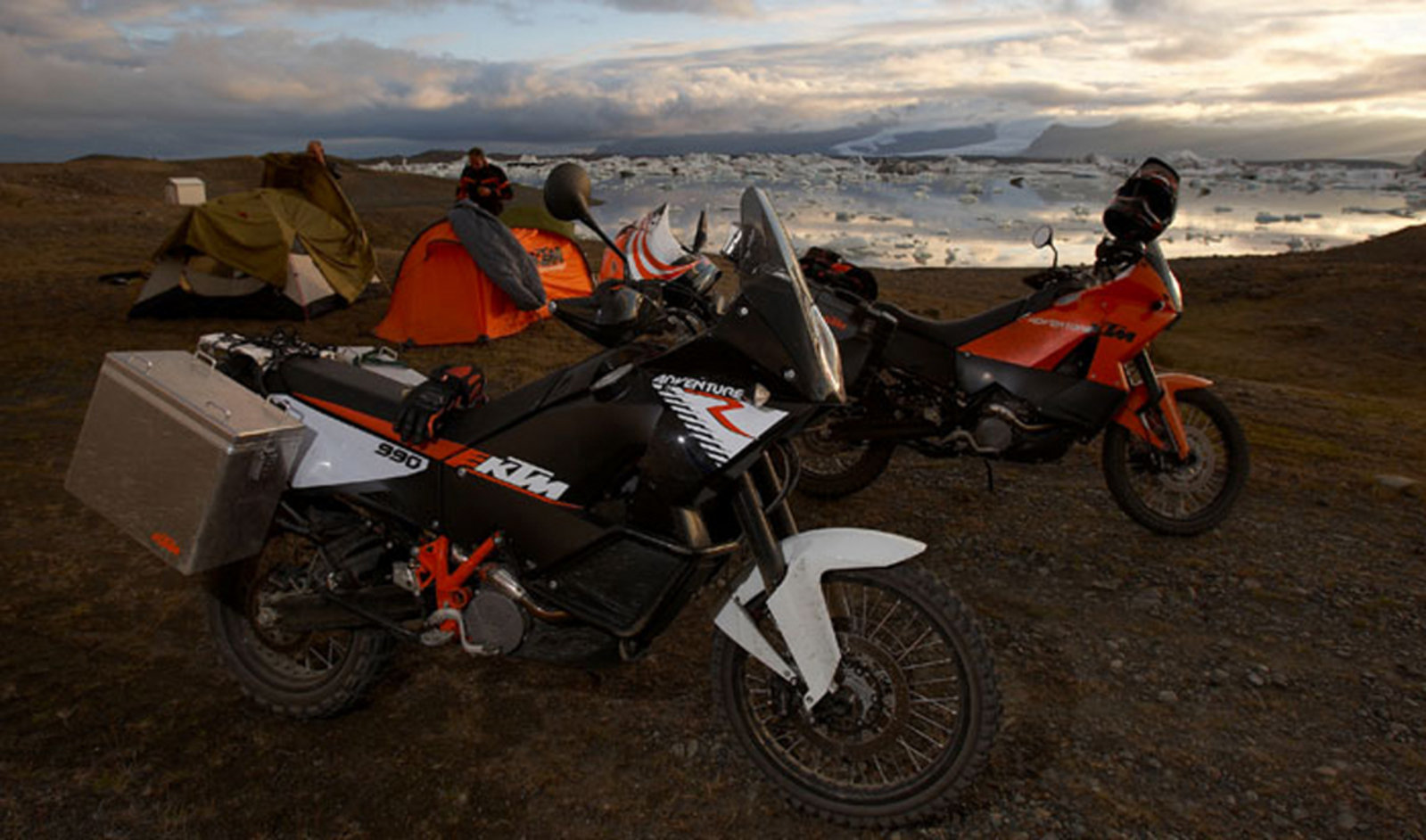 Premise 75 Vs I Maxx Pro: 2009 KTM 990 Adventure R Review