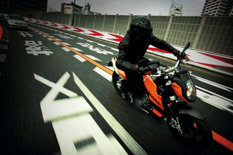 2009 KTM 990 Super Duke R Wallpaper