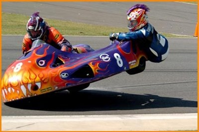 Sidecar racing – funnier or riskier?