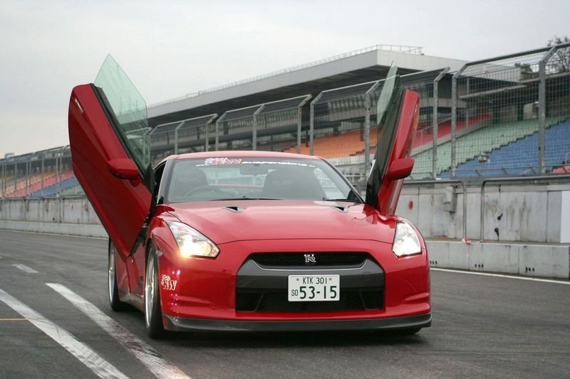 Nissan GT-R receives LSD wind doors