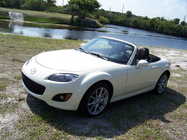 2009 mazda mx 5 miata grand touring car review top speed. Black Bedroom Furniture Sets. Home Design Ideas