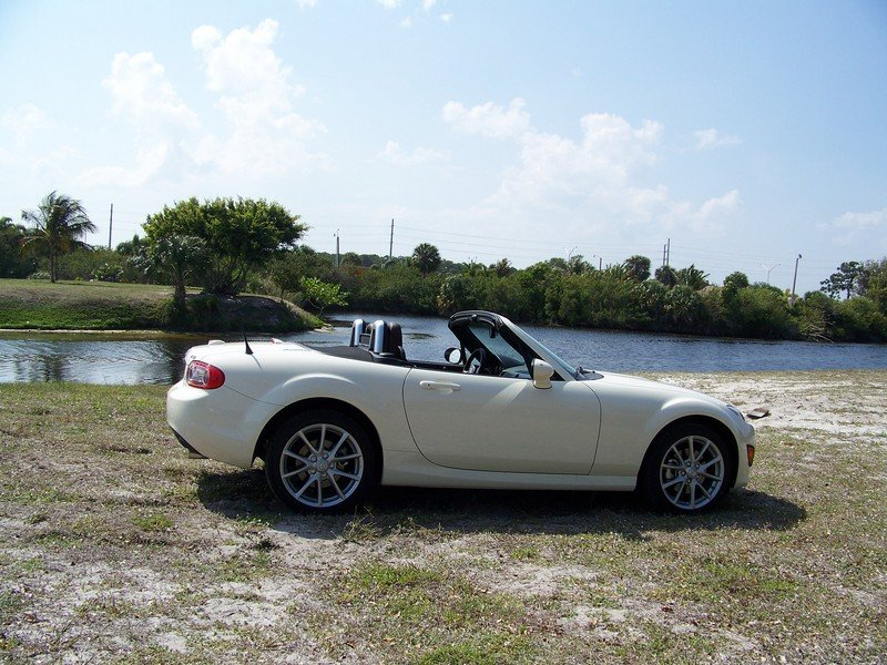 2009 mazda mx 5 miata grand touring review top speed. Black Bedroom Furniture Sets. Home Design Ideas