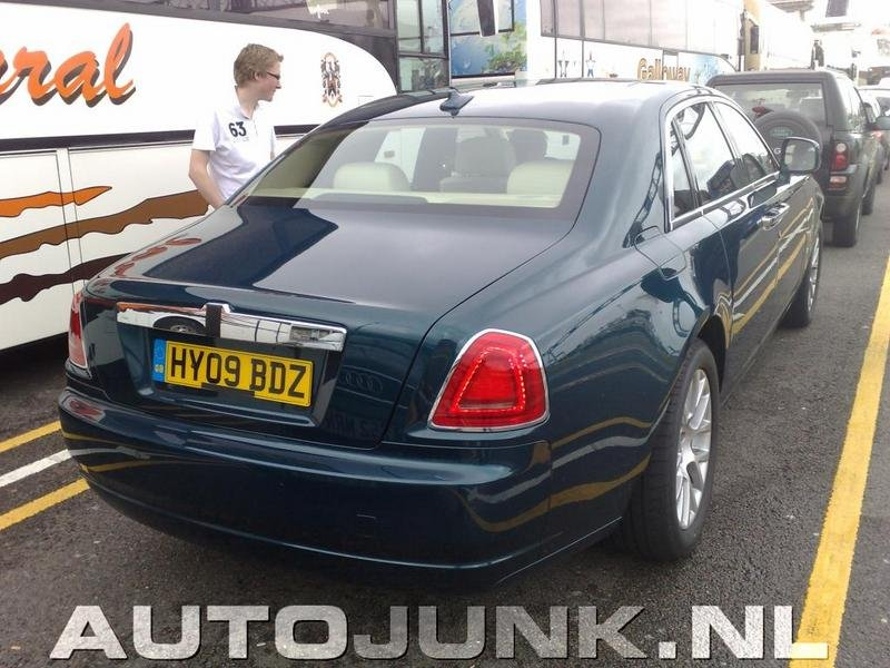 2010 Rolls Royce Ghost caught undisguised