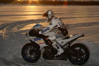 Buell 1125R hits 148.7 mph on ice