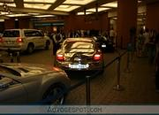 Golden Bentley Continental GT spotted in Dubai - image 302046