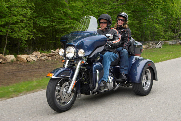2018 Harley Davidson Tri Glide Ultra Review Total Motorcycle: 2009 Harley-Davidson FLHTCUTG Tri Glide Ultra Classic