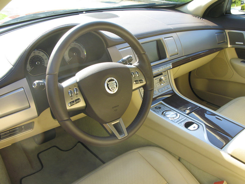 2009 Jaguar XF Supercharged - image 301919