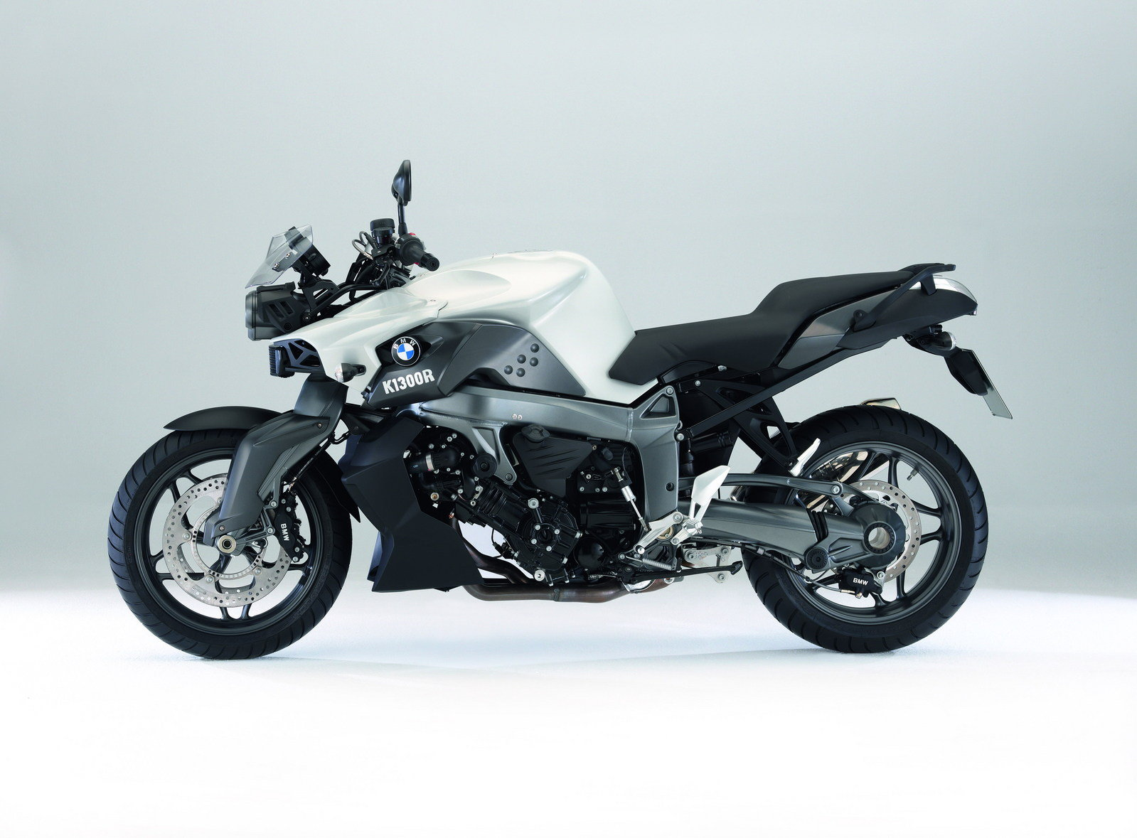2009 bmw k 1300 r picture 302868 motorcycle review. Black Bedroom Furniture Sets. Home Design Ideas