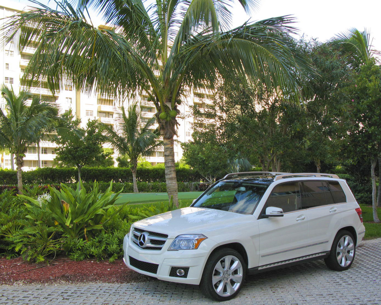 2010 mercedes benz glk review top speed. Black Bedroom Furniture Sets. Home Design Ideas
