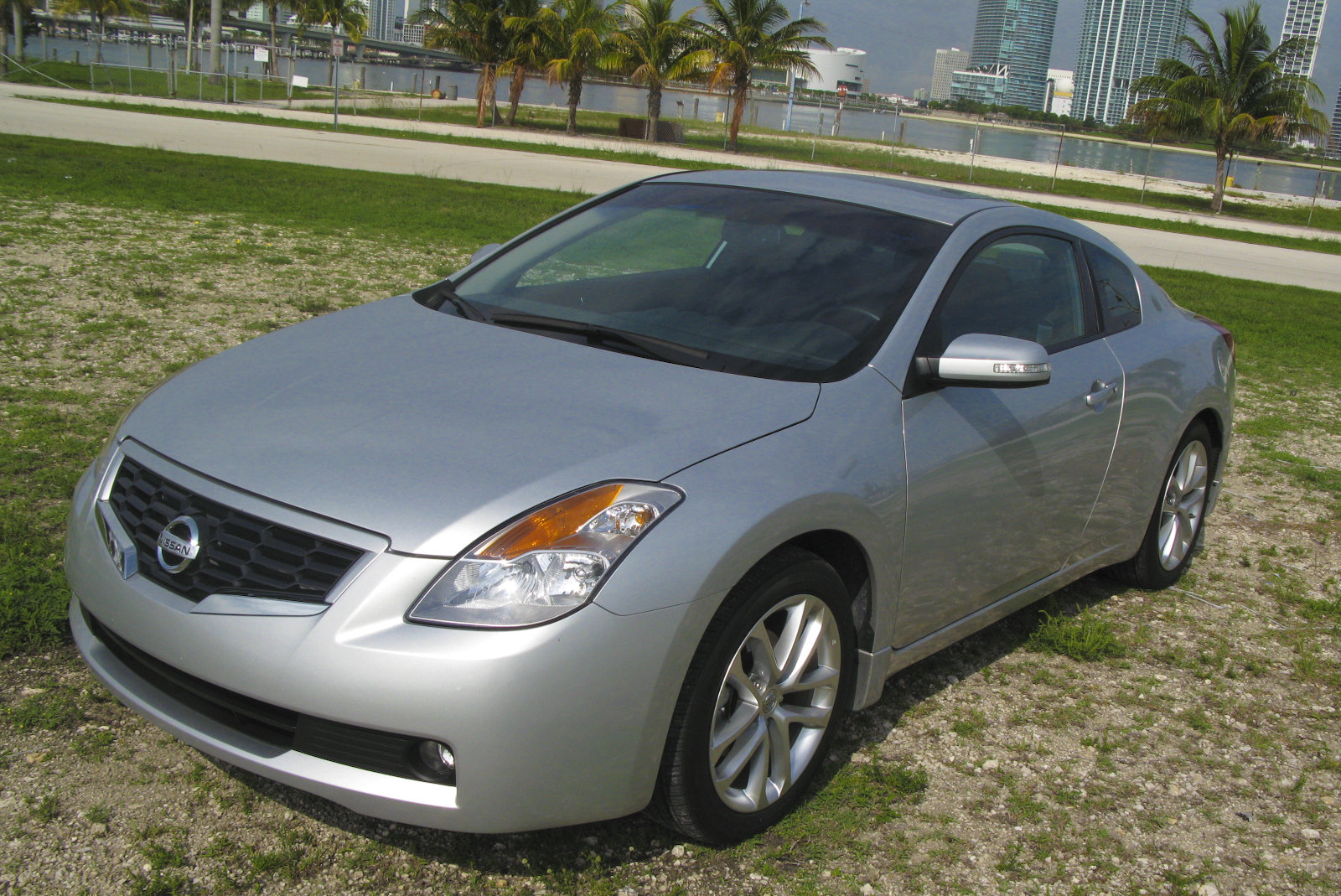 2009 nissan altima coupe 3 5 se picture 303330 car review top speed. Black Bedroom Furniture Sets. Home Design Ideas