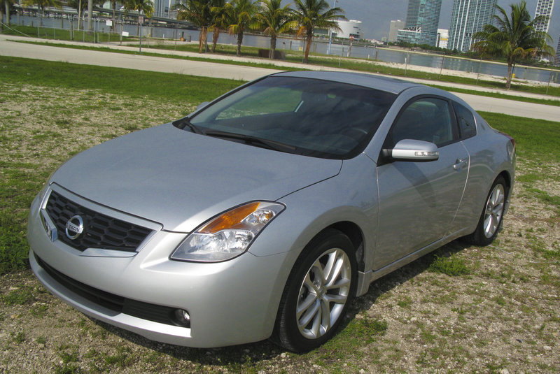 2009 nissan altima coupe 3 5 se gallery 303330 top speed. Black Bedroom Furniture Sets. Home Design Ideas