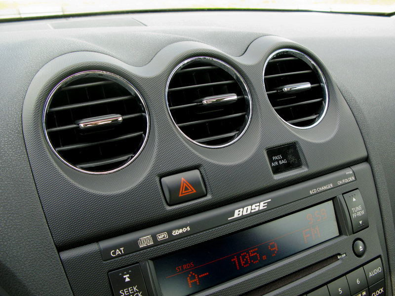 2009 nissan altima coupe 3 5 se gallery 303334 top speed. Black Bedroom Furniture Sets. Home Design Ideas