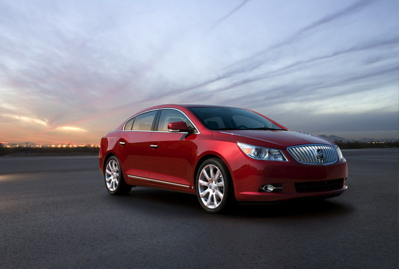 2010 Buick Lacrosse gets 2.4L Four-Cylinder Engine