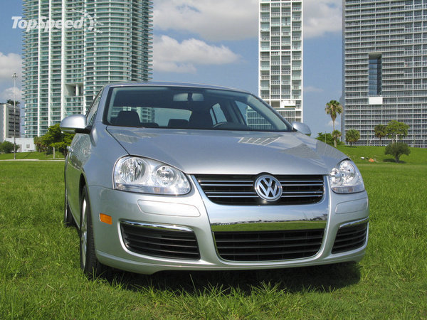 2010 Volkswagen Jetta TDI | car review @ Top Speed