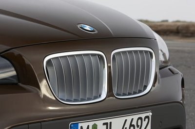 BMW X1 - official teasers revealed
