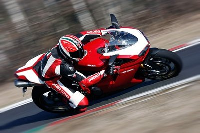 2009 Ducati 1098R / Bayliss Limited Edition - image 307358