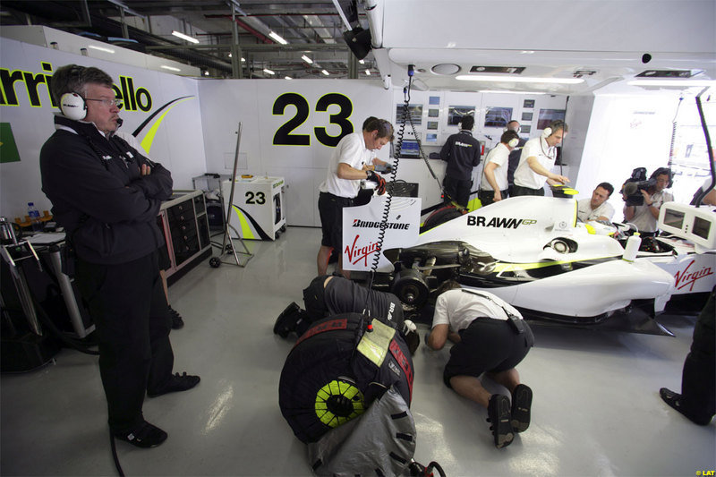 2009 F1 Season: Jensen Button and Brawn GP, where did these guys come from? - image 304449