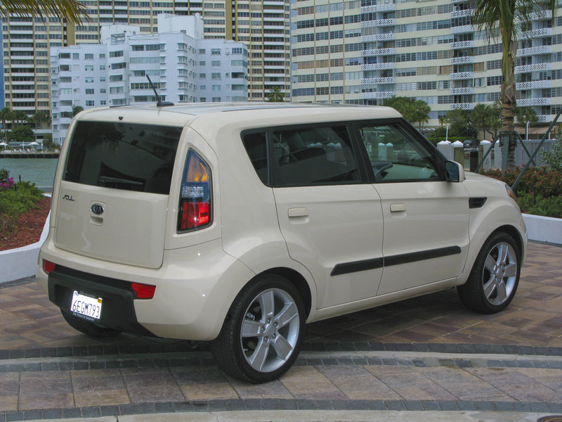 2010 kia soul review top speed. Black Bedroom Furniture Sets. Home Design Ideas