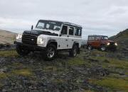 2009 Land Rover Defender Fire and Ice - image 304823