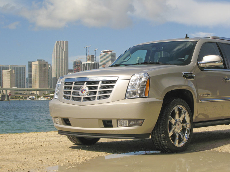 2009 First impression: Cadilllac Escalade Hybrid