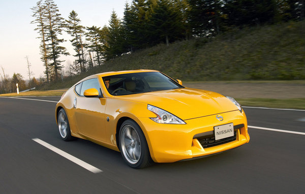 2009 nissan 370z nurburgring  Z Logo Car Name