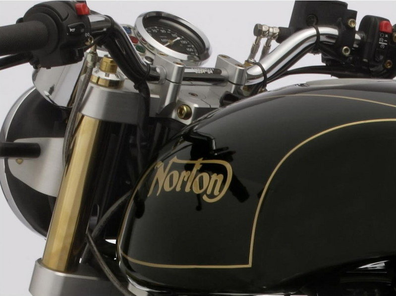 2009 Norton Commando 961 SE - image 304807