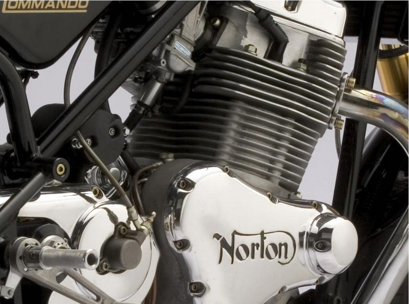 2009 Norton Commando 961 SE - image 304808