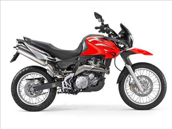 2010 aprilia pegaso 650 factory trail motorcycle review top speed. Black Bedroom Furniture Sets. Home Design Ideas