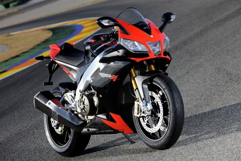 2009 Aprilia RSV4 Factory Wallpaper