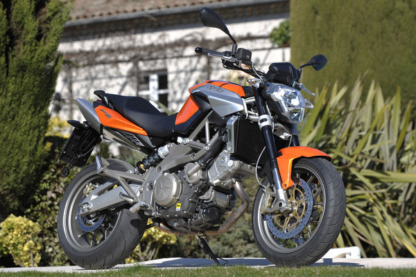 2009 aprilia shiver 750 abs motorcycle review top speed. Black Bedroom Furniture Sets. Home Design Ideas