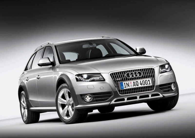 Audi is offering new entry-level engines for both the Audi Q5 and Audi A4