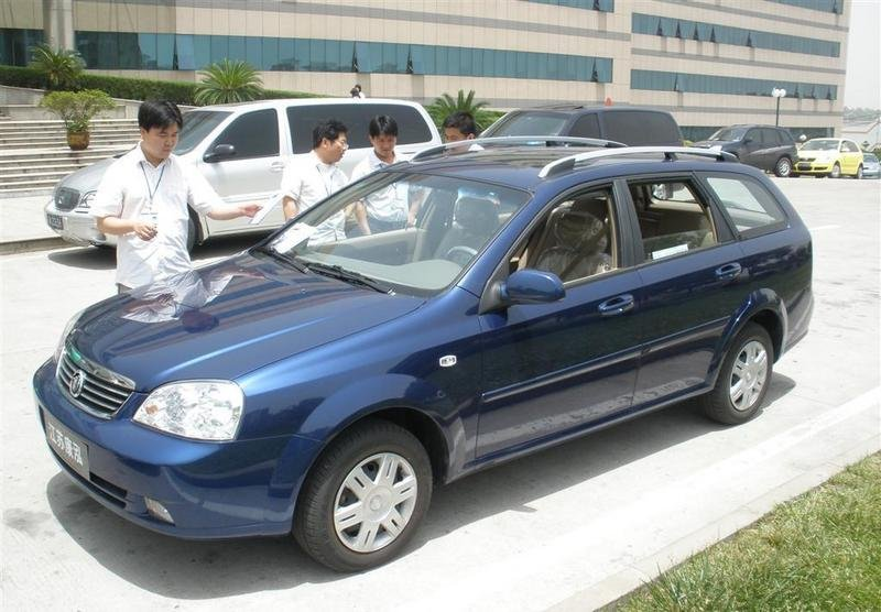 General Motors is a hit in China; American automaker establishes new sales record