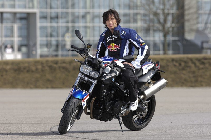 Bmw F 800 R Reviews Specs Amp Prices Top Speed
