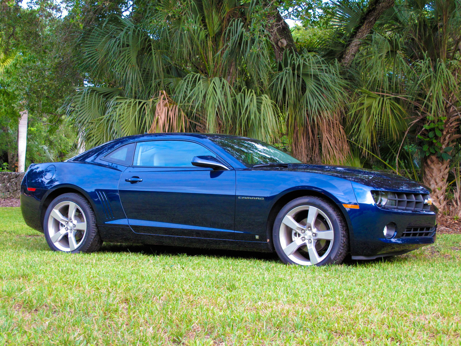 initial thoughts 2010 chevrolet camaro rs news top speed. Black Bedroom Furniture Sets. Home Design Ideas