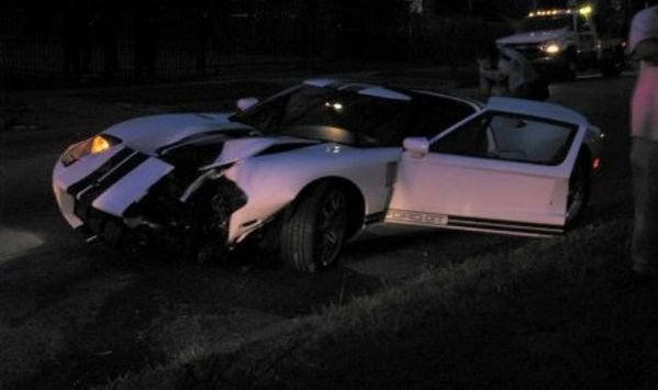 new car owner crashed brand-new ford gt picture